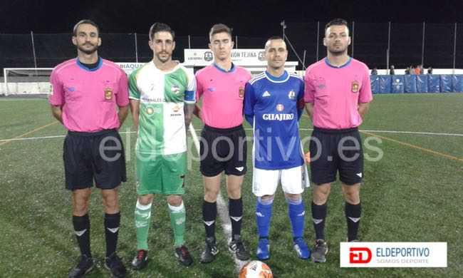 Trío arbitral y capitanes, en el encuentro C.D. Unión Tejina vs Atlético San Juan.