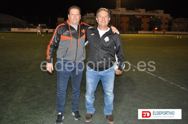 Ambos entrenadores.