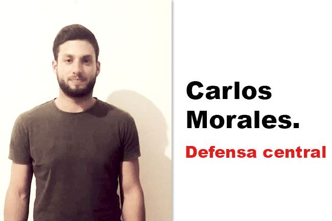 Carlos Morales, como defensa central.