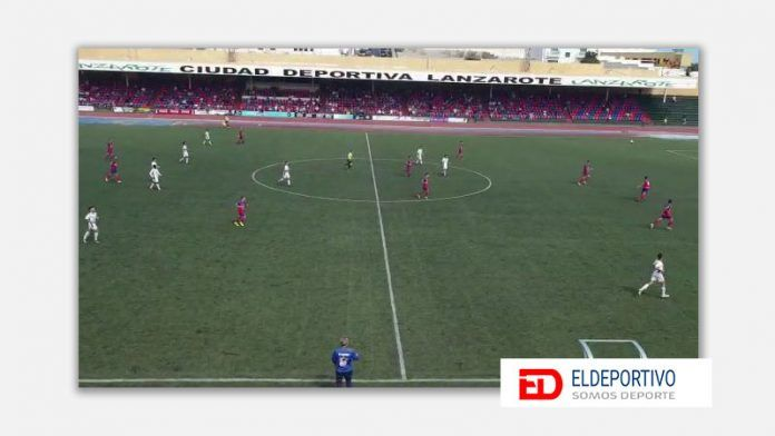 Secuencia del encuentro desde una visión alta... estadio de la ciudad deportiva de Lanzarote.