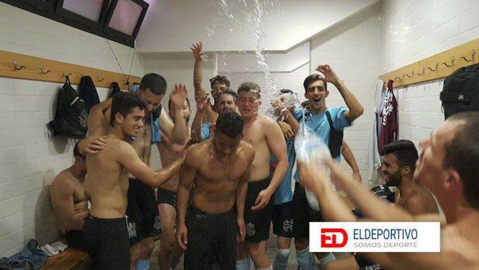 El Igueste celebra la permanencia en Primera Regional.