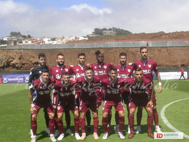 Once inicial del Linares Deportivo.