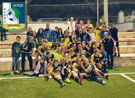 La plantilla del Costa Adeje, Club de Fútbol Femenino.