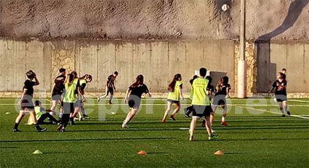 Entrenamiento de las chicas en el Costa Adeje Club de Fútbol Femenino.