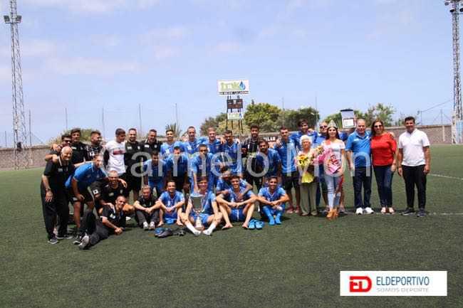 El TNK C.D. Vera brillante campeón del XLVIII Trofeo Salvador Ledesma.