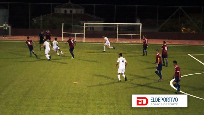 Águilas e Icodense ofrecen espectáculo y goles en Adeje.