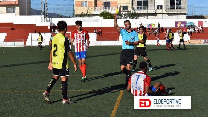 El Atlético Granadilla gana al Tenerife C y mira hacia arriba.