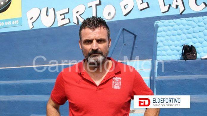 El CD Puerto Cruz rescinde el contrato de su entrenador.
