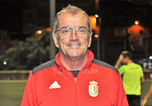 Foto de César Hernández, delegado del Atlético Victoria.