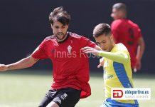 Imagen de jugadores de el Mensajero y la UD Las Palmas.
