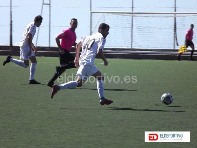 Secuencia del encuentro contra el Sauzal, la jornada pasada. Foto de eldeportivo.es