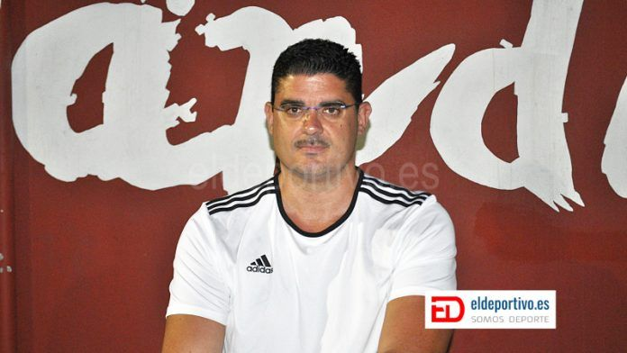 Fran Sosa, entrenador CD Candela