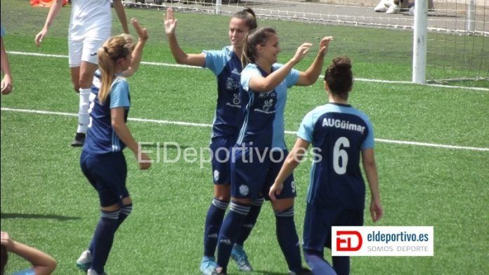 Las jugadoras del AUGüímar celebran un gol